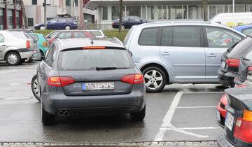 Auf dem Parkplatz und im Parkhaus gilt nicht automatisch die Stra§enverkehrsordnung
