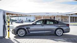 BMW 520e, Plug-in Hybrid, Ladesäule, laden,