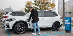 BMW X5 2020, Ladestation, Plug-in Hybrid, laden