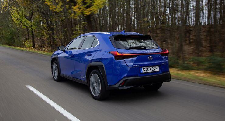 Lexus UXe 2021