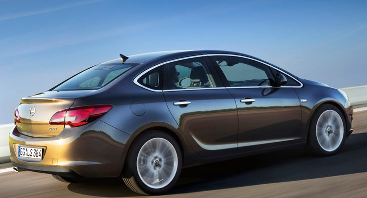 Opel Astra Stufenheck Limousine