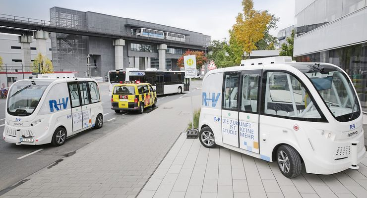 R+V testet Minibusse