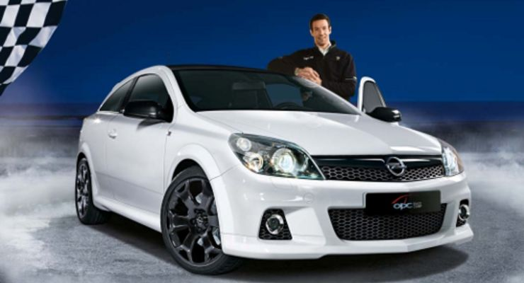 Sondermodell Opel Astra OPC Race Camp