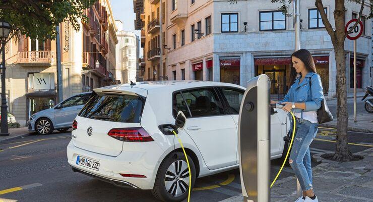 VW, E-Golf, 2017, Ladesäule, aufladen, laden