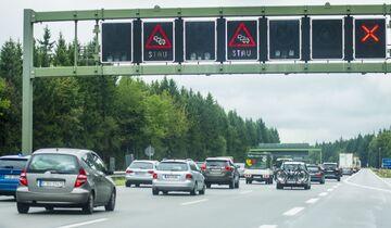 Verkehr Autobahn Stau